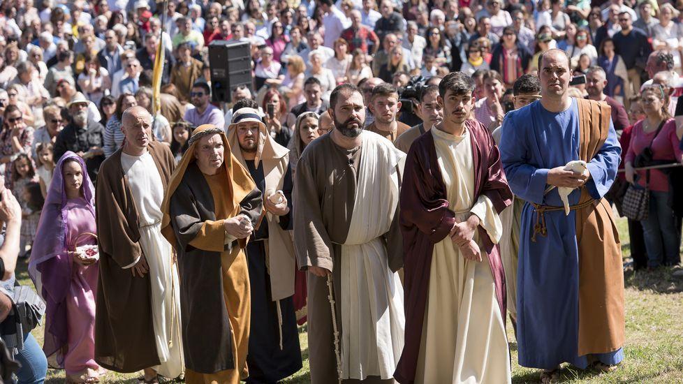 El Domingo de Resurrección de Fisterra, todo un centro de atracción