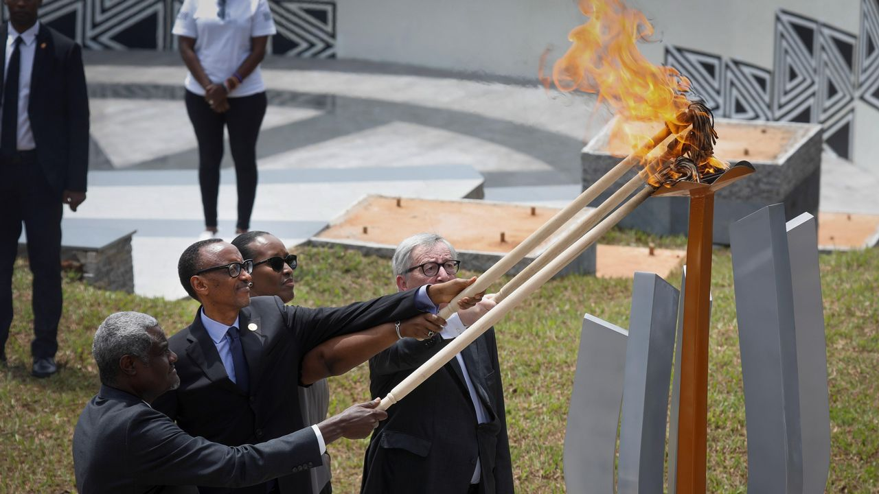 Más de 200 muertos en Sri Lanka en una cadena de ocho ataques terroristas.El presidente Kagame, la primera dama  Jean-Claude Juncker y Moussa Faki  encienden la llama del recuerdo