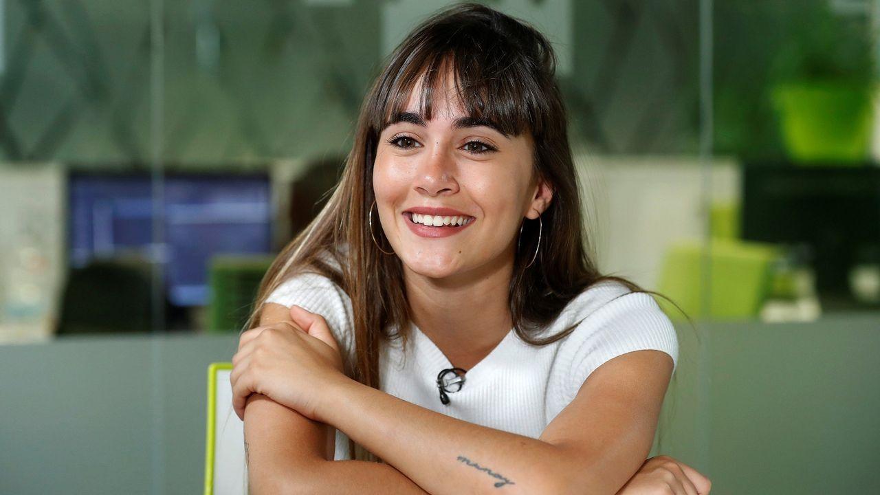 María Pedraza y Jaime Lorente, pareja fuera de la ficción.El director asturiano Sergio G.Sánchez