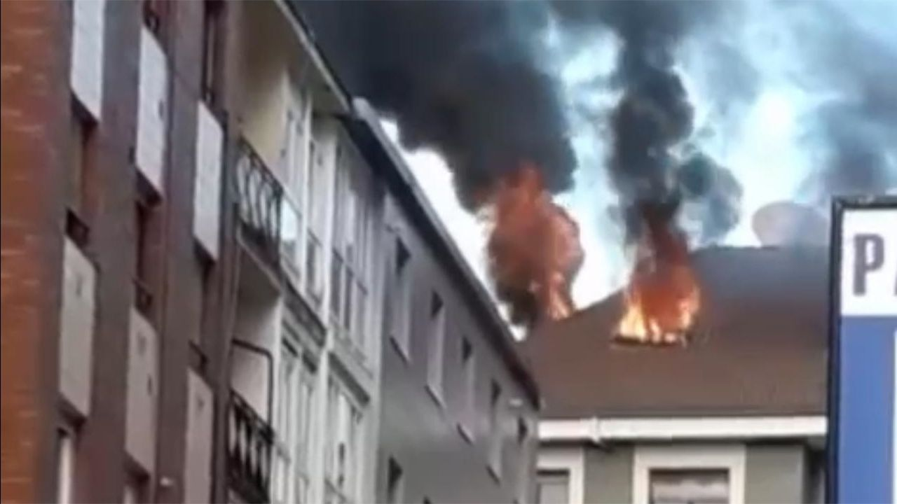 Incendio en un edificio de Gijón.Imagen, de archivo, de un incendio en Padrenda