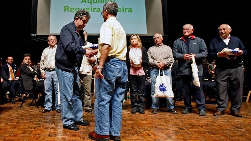 Las almas en pena recorren A Estrada.El vigués Manuel Manquiña estuvo ayer en el Centro Cultural Novacaixagalicia.