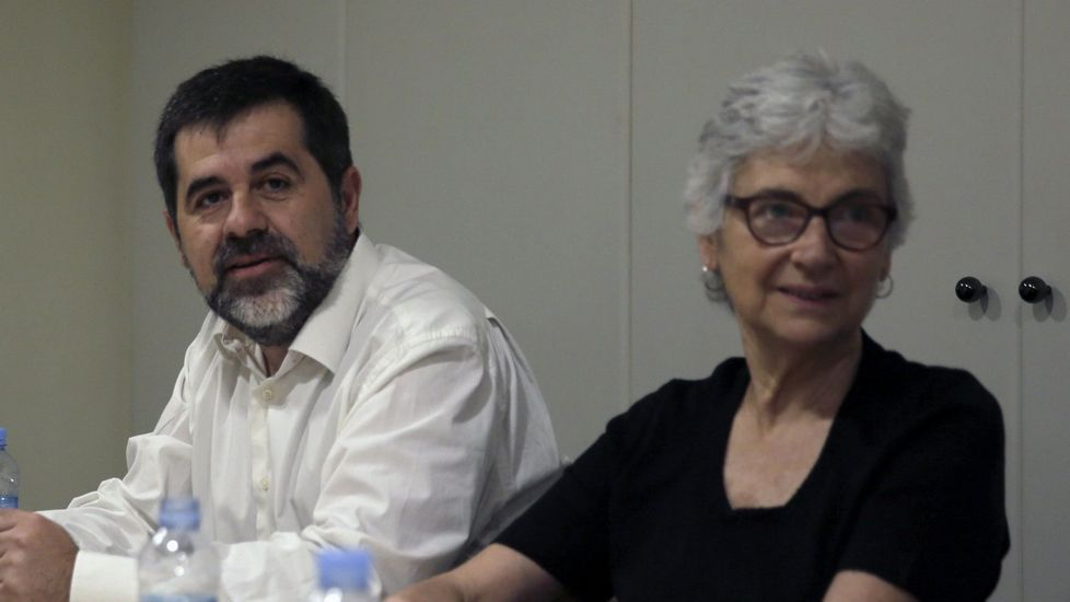 Jordi Sánchez (ANC) no irá en ninguna lista y Muriel Casals (Òmnium) defiende la presencia de personalidades de la vida civil