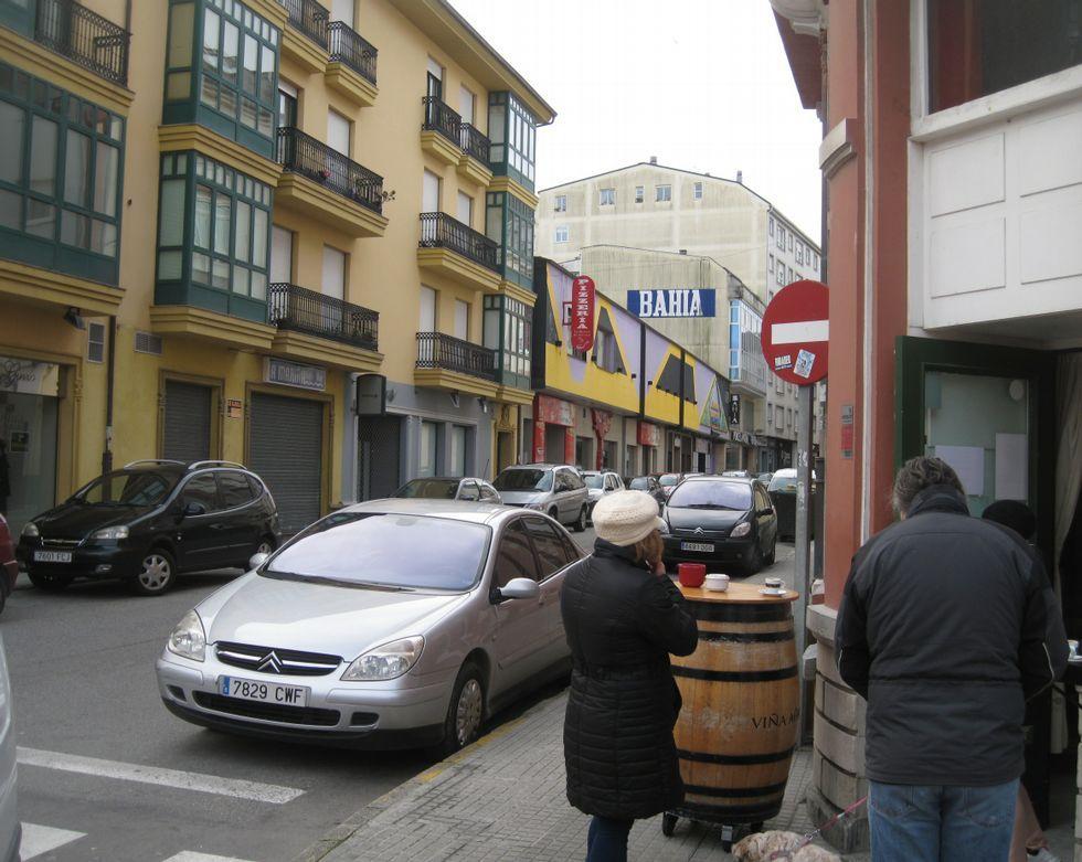 <span lang= es-es >Dos céntricas discotecas cerradas</span>. En la Avenida de Galicia y en la calle Vilalba -en la imagen-, dos antiguas discotecas se alquilan desde hace años.