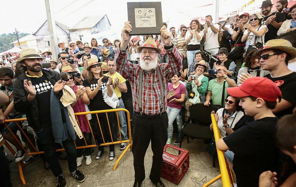 José Luis Cuerda pudo colocar su estrella en el paseo de las grandes figuras del cine que se sitúa en el Torreiro das Estrelas.