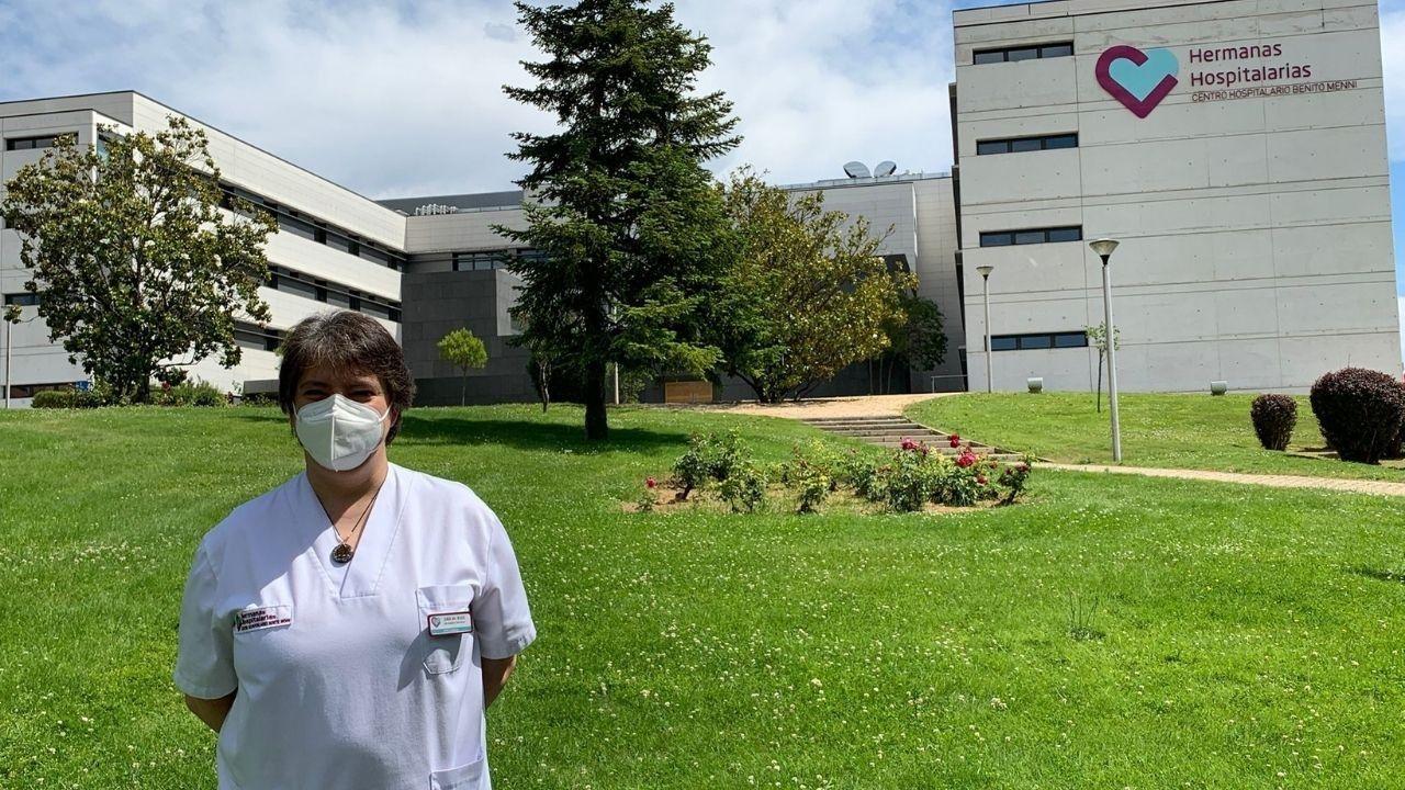 Socorro Martínez en el exterior del hospital Benito Menni
