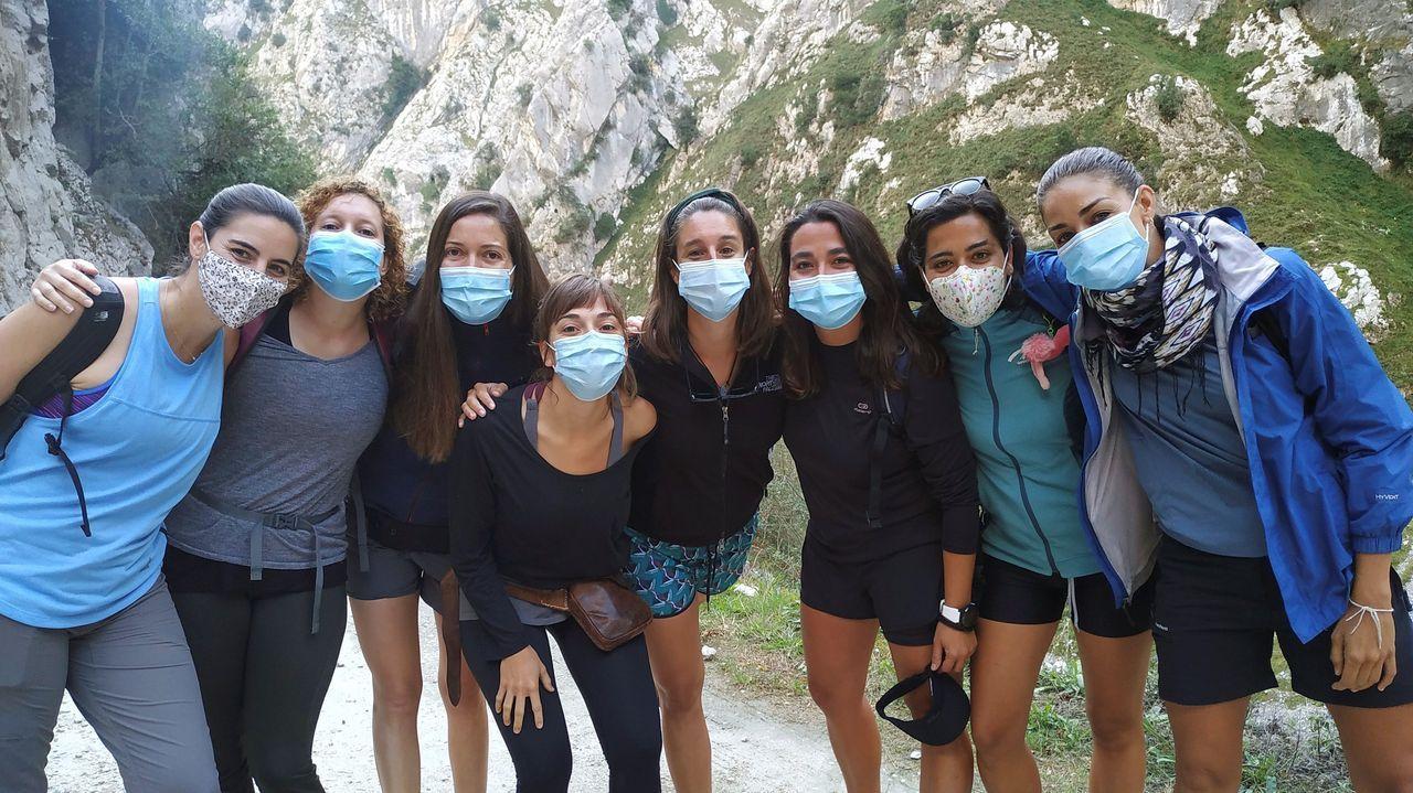 Beatriz Arizcun, Bethania Pérez, Leticia de Miguel, Berta Lluch, Beatriz Corredor y Natalia Barahona, durante su estancia en Asturias.
