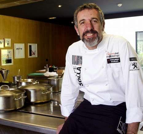 Daporta regresa hoy de sus vacaciones para reabrir su restaurante en Cambados.