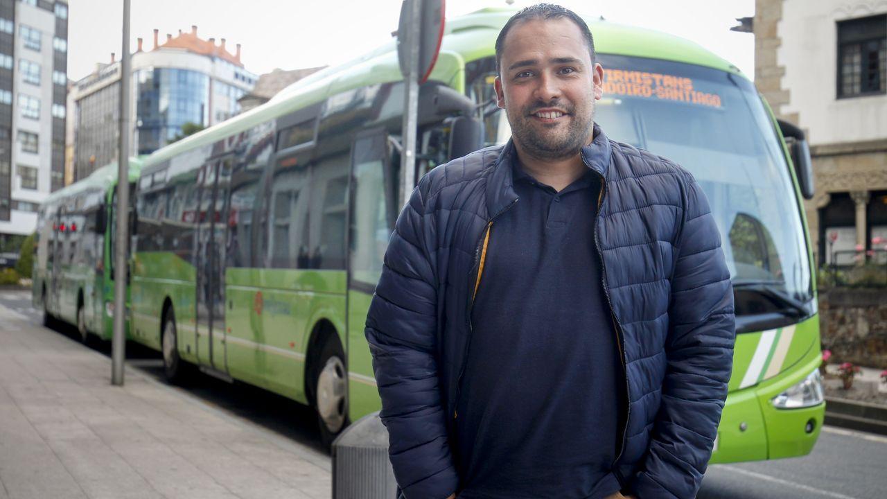 Fernando Ares se aisló al dar positivo el hombre que llevaba a diálisis en su autobús
