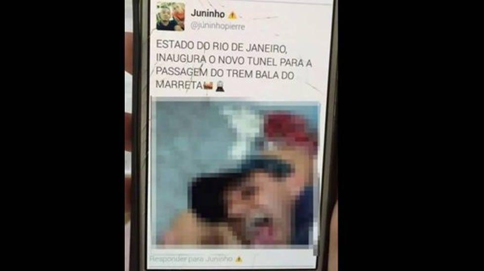Protestas en Brasil contra «la cultura de la violación».De pie, Alberto Suárez Laso. Sentados, por la izquierda, José Manuel González-Santamaría, Liliana Oliveros y David Fernández