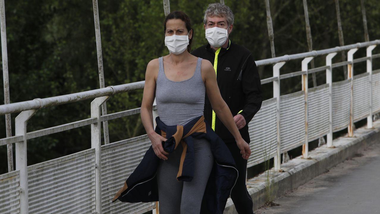 Paseo de las Avenidas en Vigo.Gente haciendo deporte o paseando en Ourense