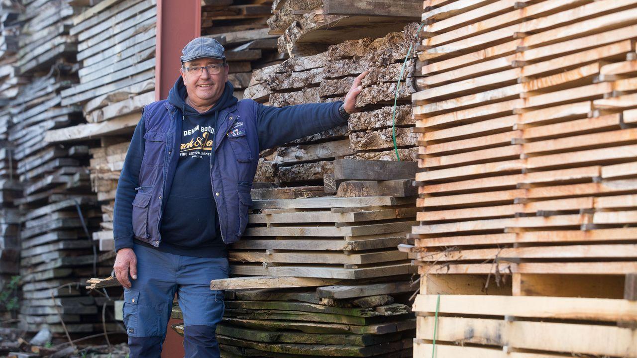 Eladio Fernández es constructor y le encanta la madera