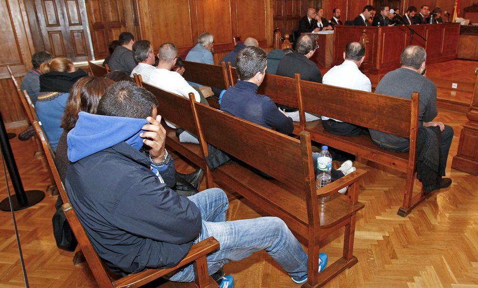 El juicio se dilató tanto que los acusados llevan varias semanas sentándose en el banquillo.
