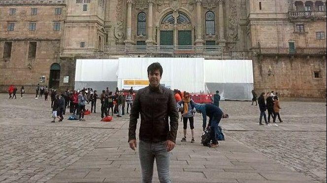 Gustavo, en la plaza del Obradoiro antes de que comenzara la cuarentena.