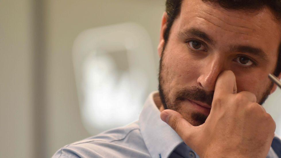 Pablo Iglesias explica el resultado de Unidos Podemos.Cartel Unidos Podemos