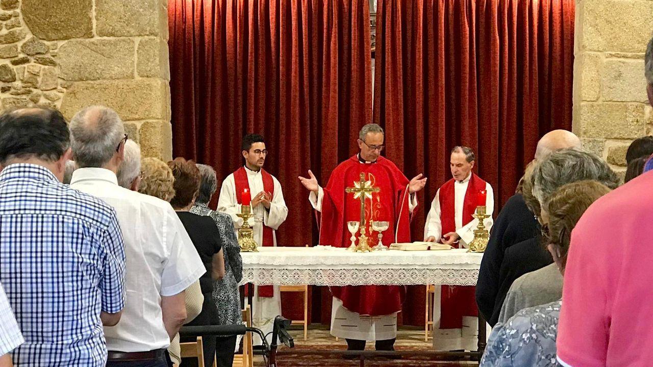 Mondoñedo celebra el 800 aniversario de su catedral.Lugo celebra la Feira do Mel en la Praza da Soidade