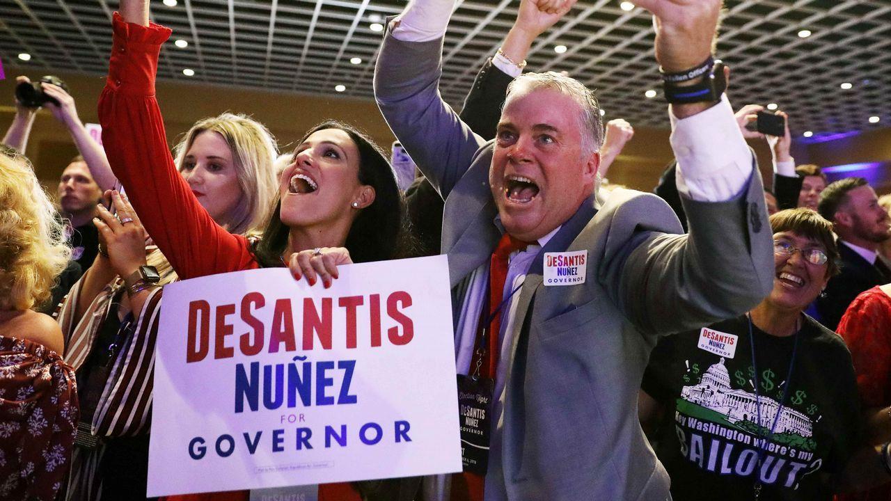 Seguidores del republicano Ron DeSantis celebran su victoria