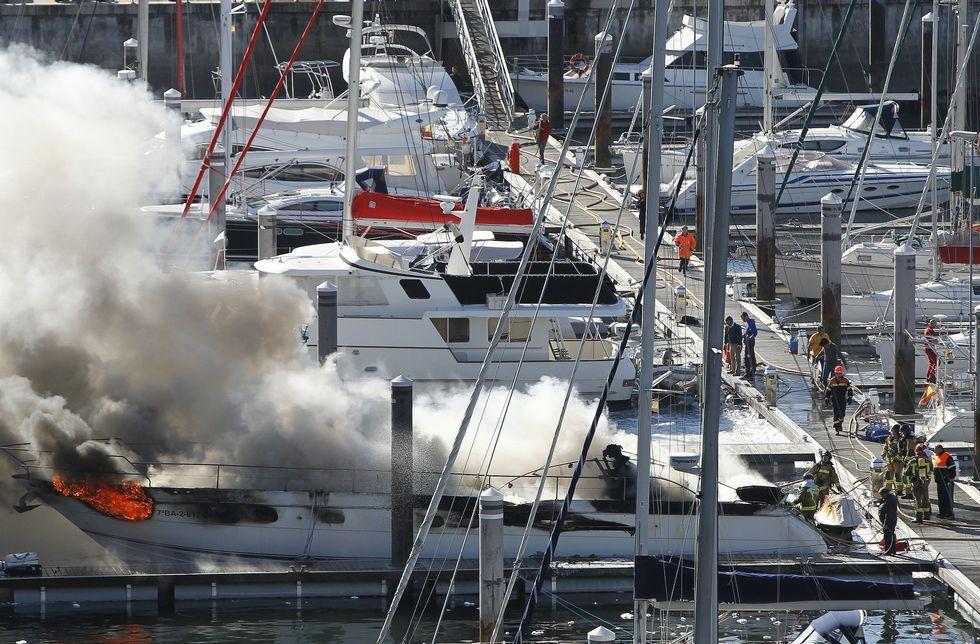 El yate «Tibu-II», atracado en Punta Lagoa, sufrió los mayores daños en la popa y camarotes.