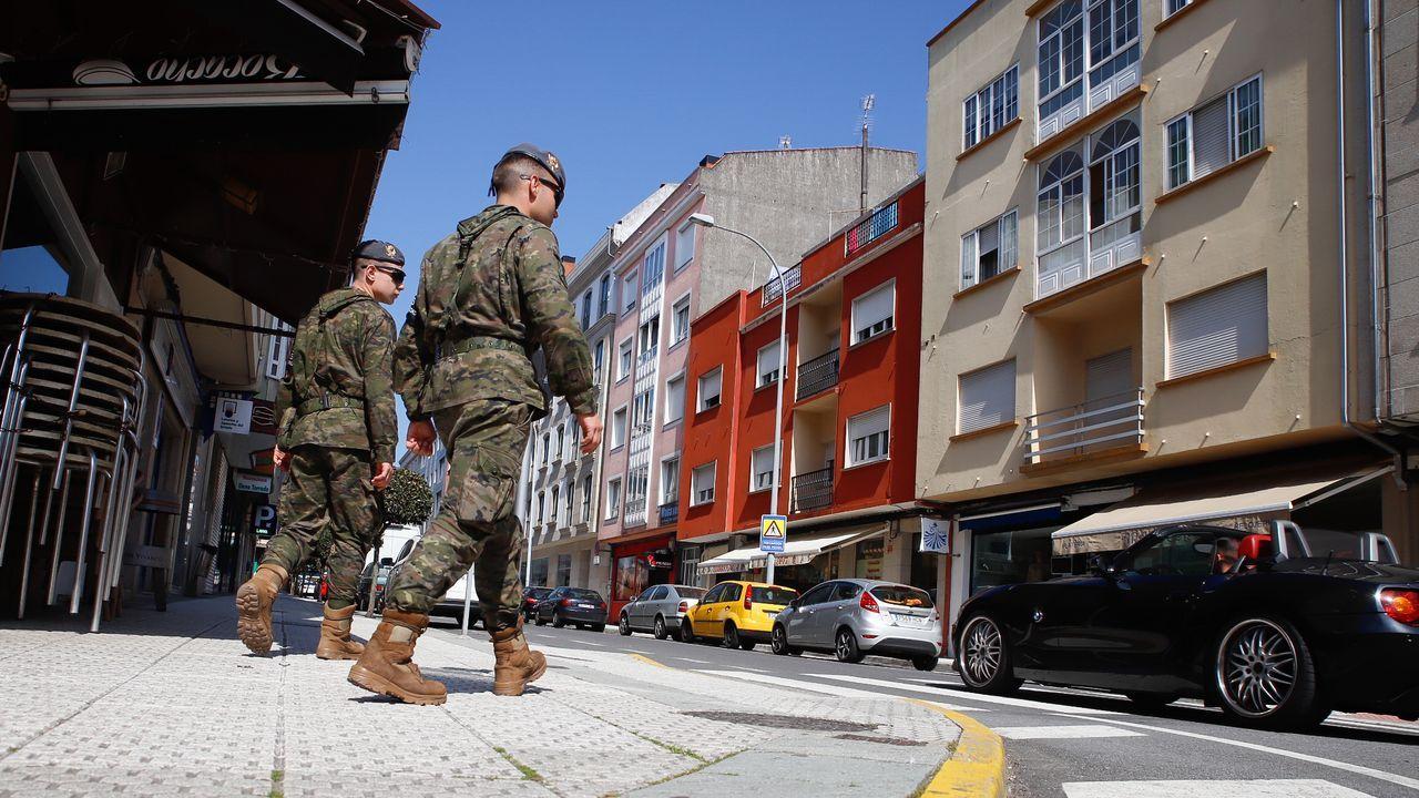 El Ejército desinfectándose después de desinfectar una residencia de mayores.Los soldados de la Brilat a su llegada a las instalaciones de Prodeme