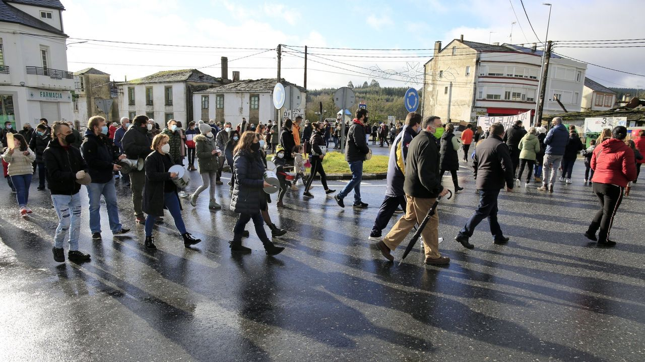 En Baamonde se han orgnizado protestas contra el cierre del colegio
