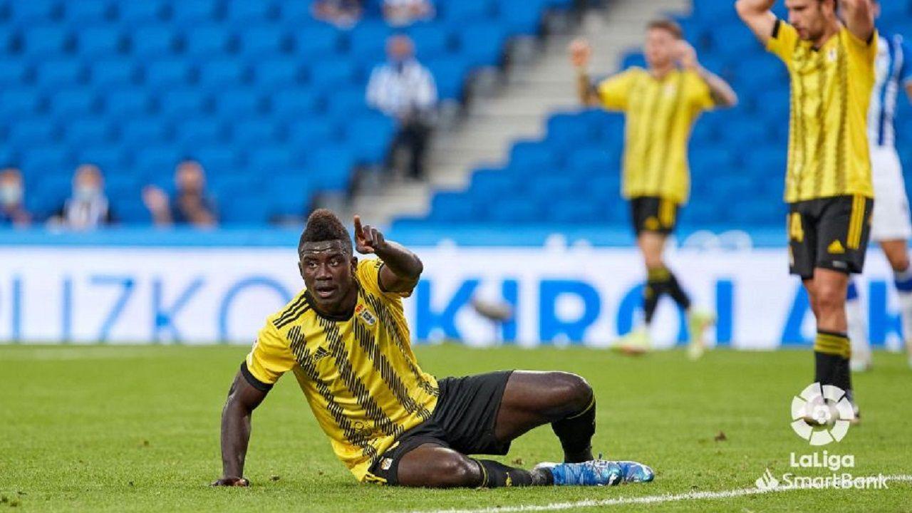 Samuel Obeng pide saque de esquina tras una ocasión ante la Real Sociedad B