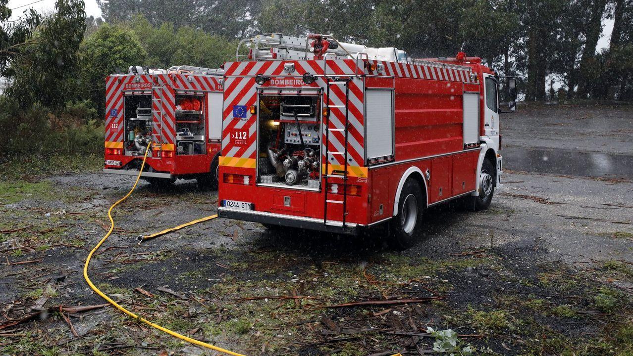 Al lugar del incendio se desplazaron camiones de Bomberos de Viveiro, en una imagen de archivo