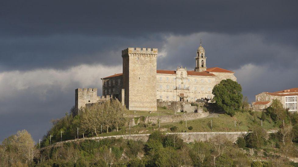 Cribado masivo en O Incio.La torre medieval de San Vicente es el monumento más visitado de Monforte