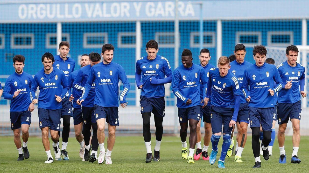 Edgar Gonzalez Lucas Ahijado Martin Valjent Mallorca Real Oviedo .Los jugadores del Oviedo, en El Requexón