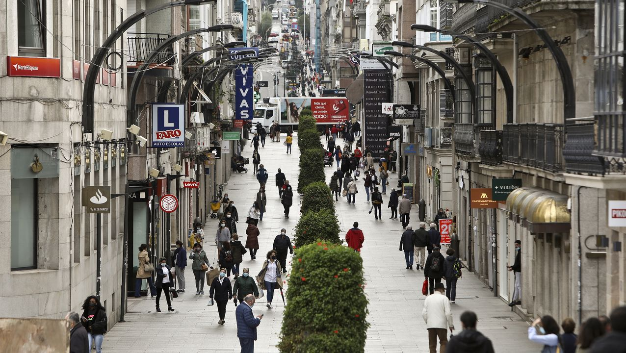 Así se ha decorado Vigo por Navidad.circuito de coches autónomos de Mercedes