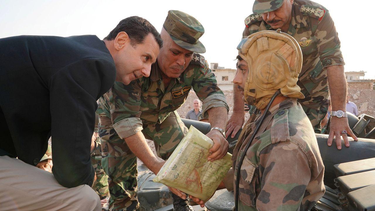 Bachar al Asad visitóel frente de batalla en las cercanías de Idlib, último feudo rebelde del país
