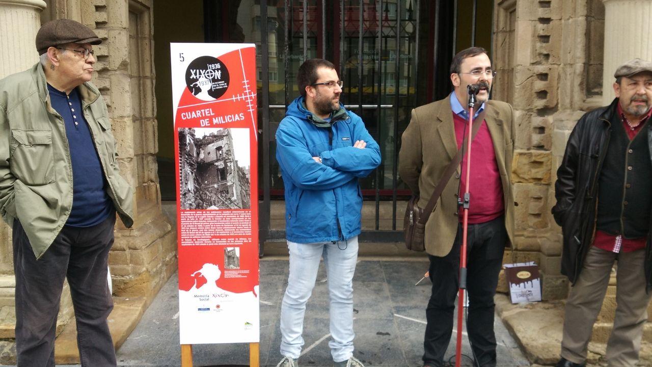 Uno de los paneles del recorrido del Gijón de la Guerra Civil