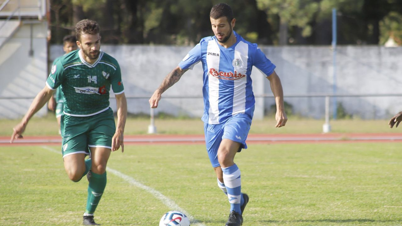 Así fue el Puebla-Noia: el primer derbi barbanzano de la temporada.Pérez, en un amistoso del Puebla contra el Coruxo