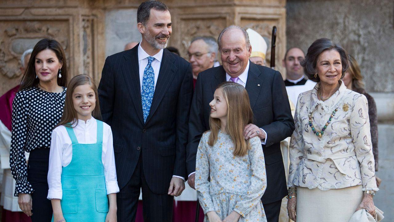 Las mejores imágenes de la Familia Real en Palma.La princesa Leonor, en su última aparicion pública, en la comunión de su hermana Sofía.