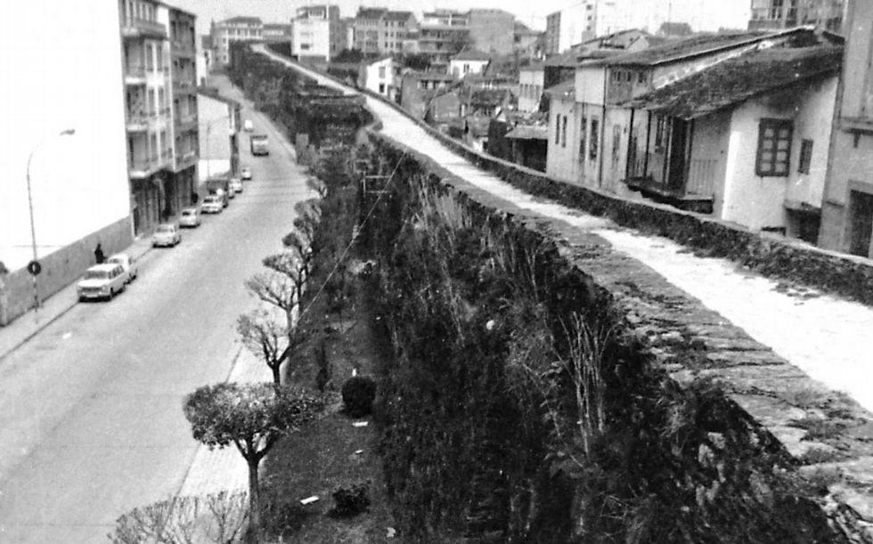 Imaxe da Muralla coa Tinería no ano 1972.