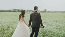 Dos novios en el día de su boda