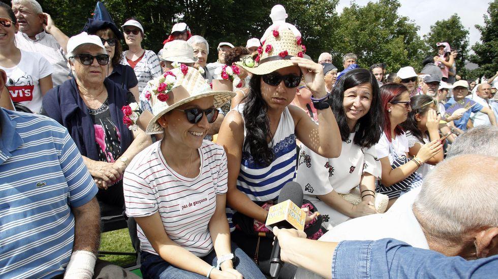 También este año hubo sombreros imitación de los grandes derbis hípicos