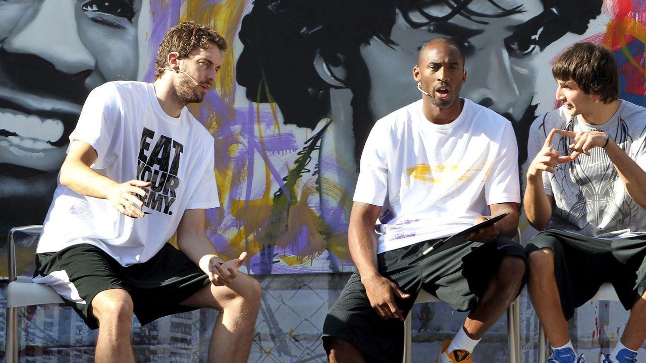 Gasol, Bryant y Ricky Rubio presentando en Barcelona en el 2010 el espectáculo Shot Faster