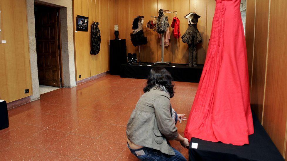 Exposición del trabajo de los alumnos de la Escola de Arte e Superior de Deseño Mestre Mateo (Santiago)