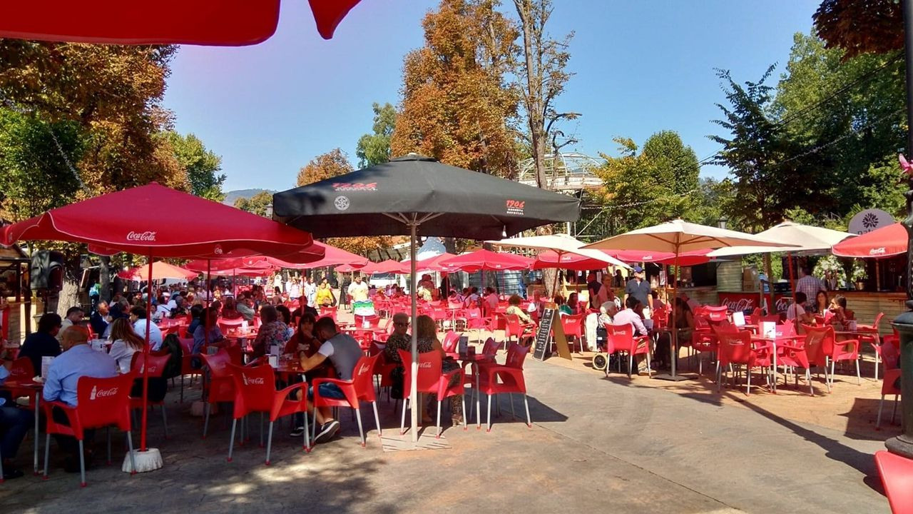 Casetas en el Paseo del Bombé de Oviedo en San Mateo