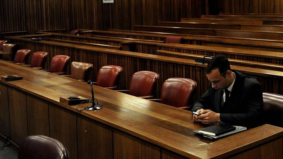 Pistorius durante la tercera sesión de la vista oral para decidir la pena que se le impondrá por el homicidio de su novia