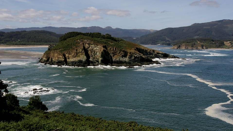 Ortigueira.Playa de A Illa da Laxe (Pobra do Caramiñal).