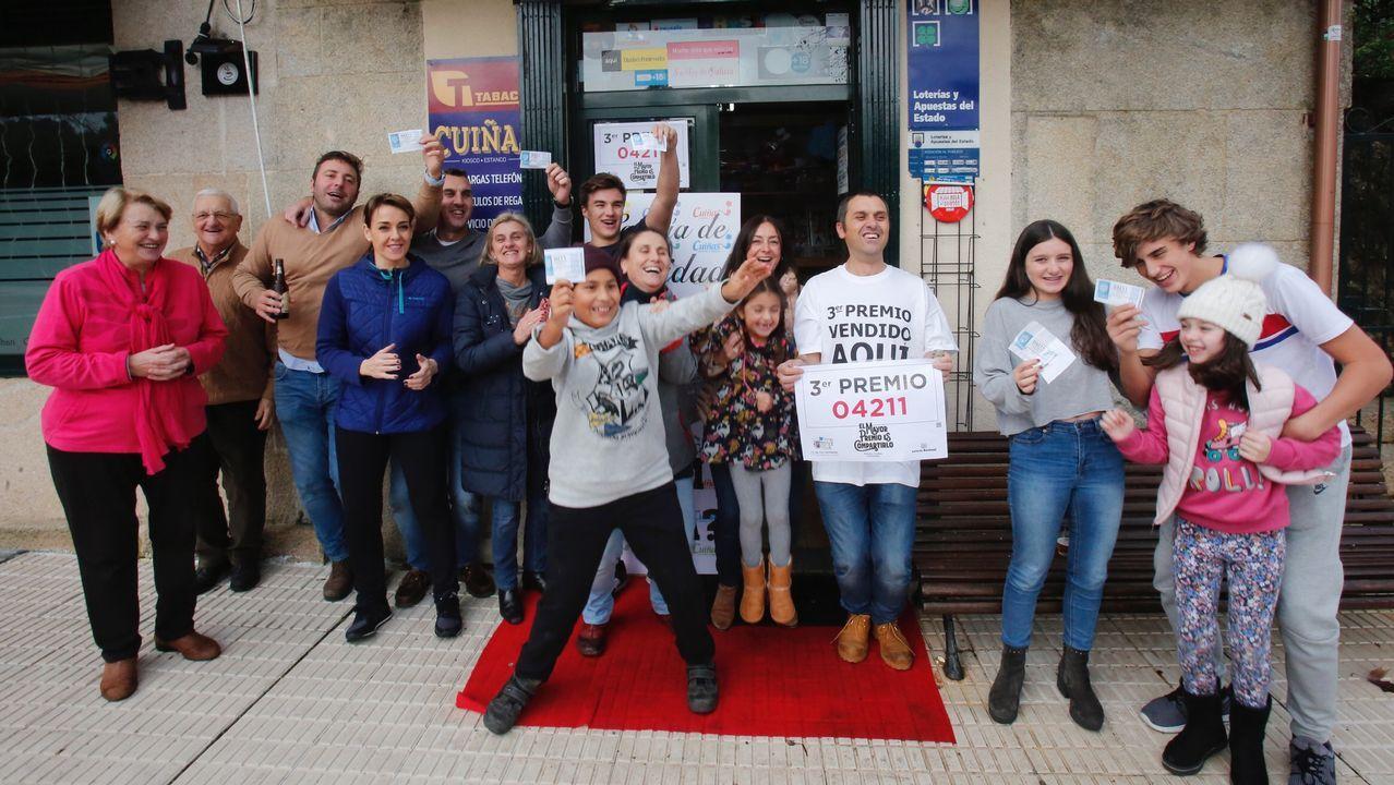 Una peña de Carballedo se reparte 50.000 euros del tercer premio.Francisco Alcalde, presidente do Consello Regulador do Mexillón de Galicia