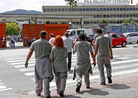 Poco más de 6.000 trabajadores intengran la plantilla fija de PSA en Vigo. El resto son eventuales.