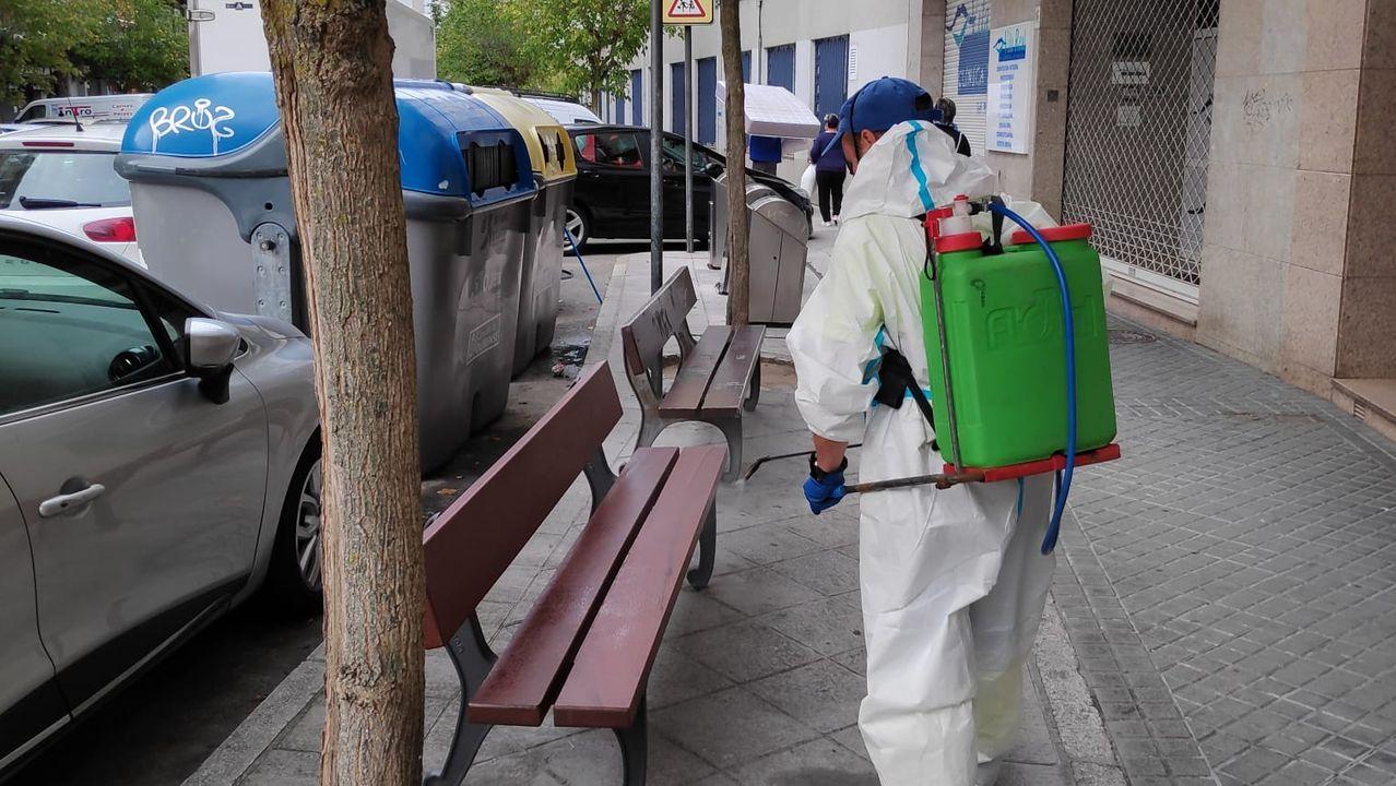 Trabajos de desinfección en las calles de Ourense