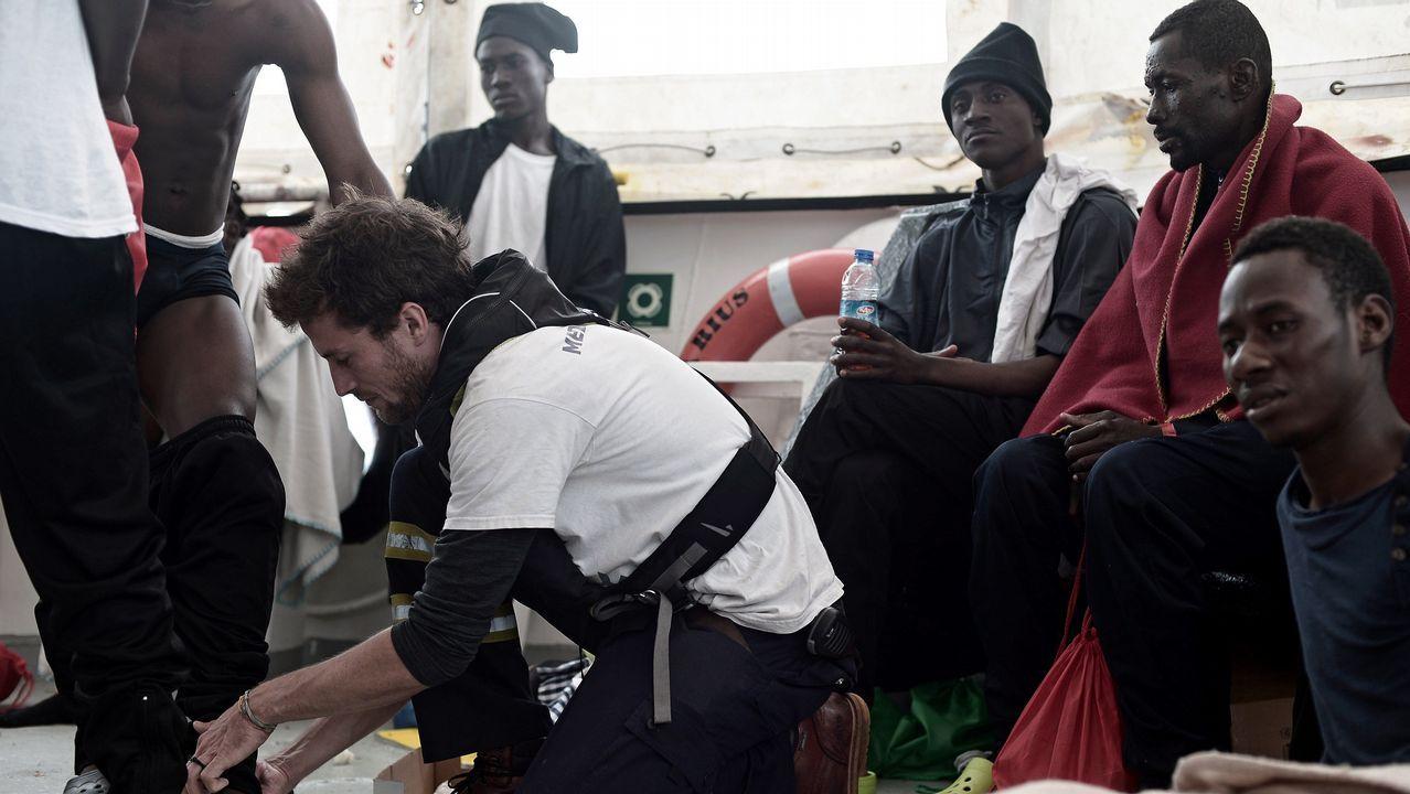 Valencia recibe a los inmigrantes del Aquarius.Natural de O Grove, Padín lleva más de una década en el barrio de Fuensanta, Valencia