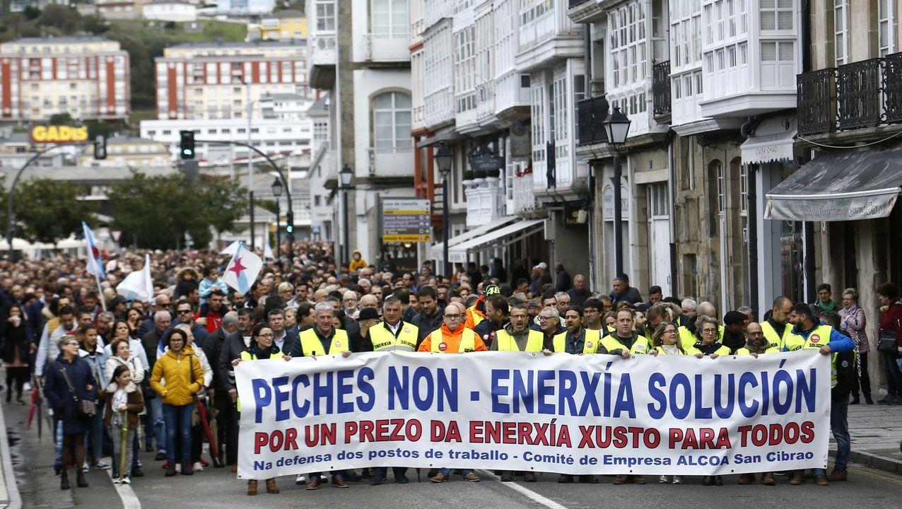 La manifestación de Alcoa por Lugo, en imágenes.Miles de mariñanos han respaldado las numerosas movilizaciones convocadas por el comité de Alcoa en San Cibrao, como esta manifestación en Viveiro