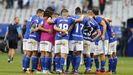 Jugadores del Oviedo tras el empate ante el Extremadura