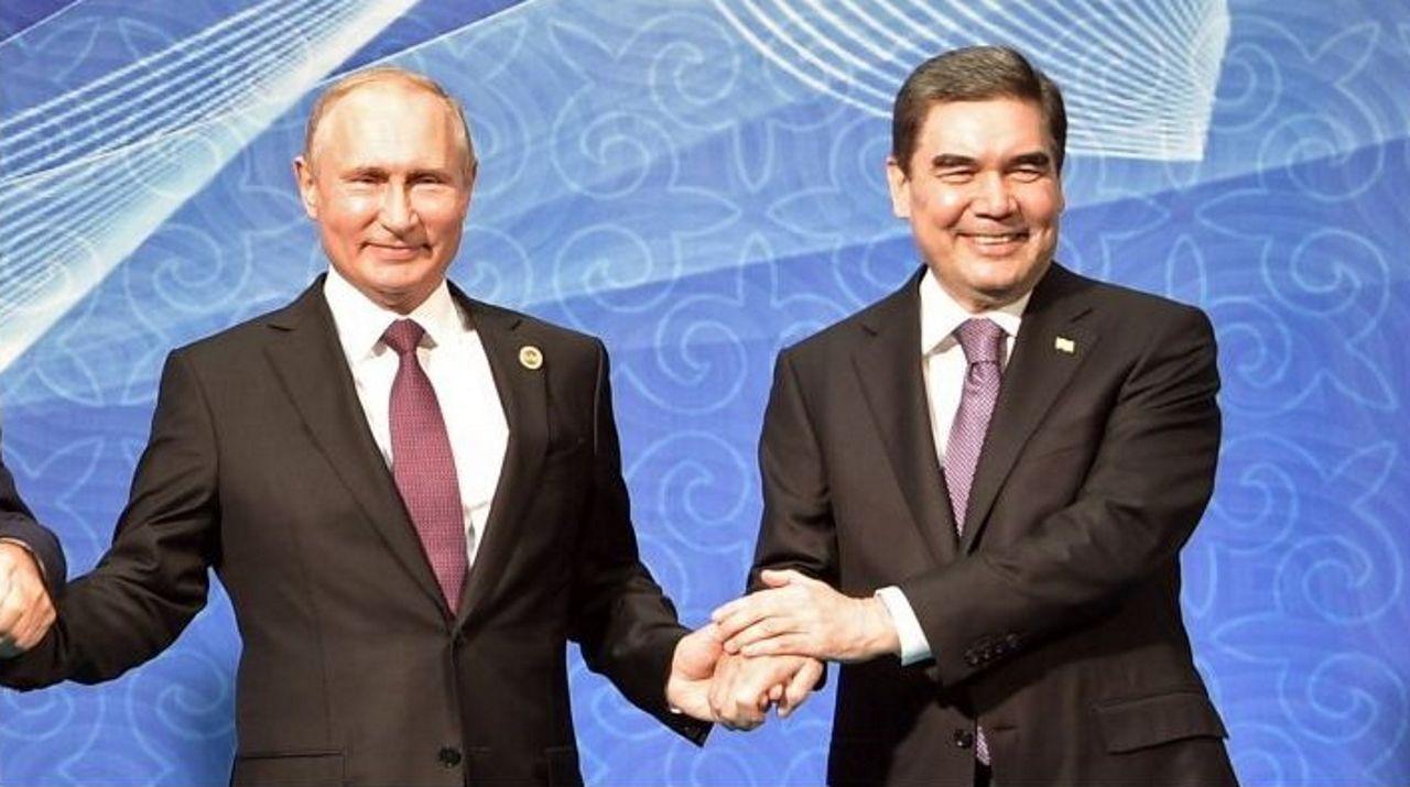 Putin con el presidente de Turkmenistán