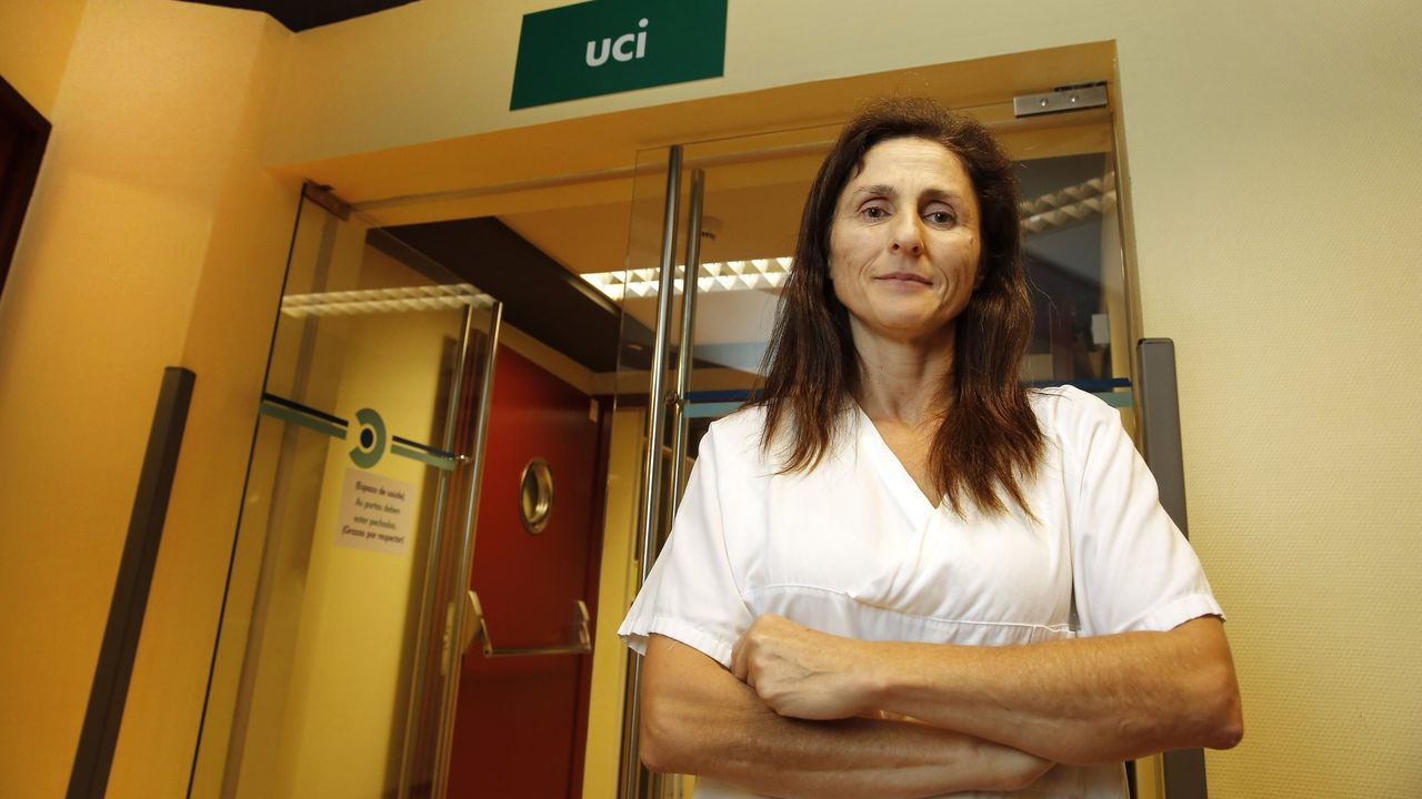 Unidad de reanimación de críticos covid en el complejo hospitalario dePontevedra.La intensivista Pilar Posada González está al frente de la uci del hospital Montecelo, en Pontevedra, desde enero del 2017