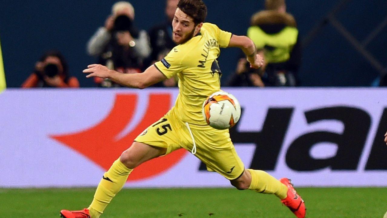 Las mejores imágenes del Celta - Villarreal.Santi Cazorla celebrando uno de sus dos goles al Real Madrid