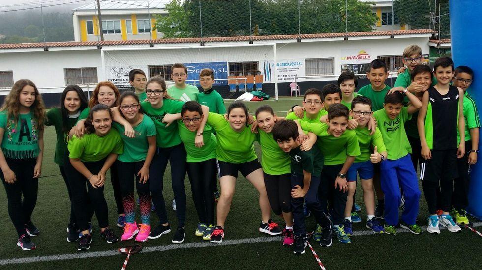 Técnicos y el equipo que logró el subcampeonato en Elviña.